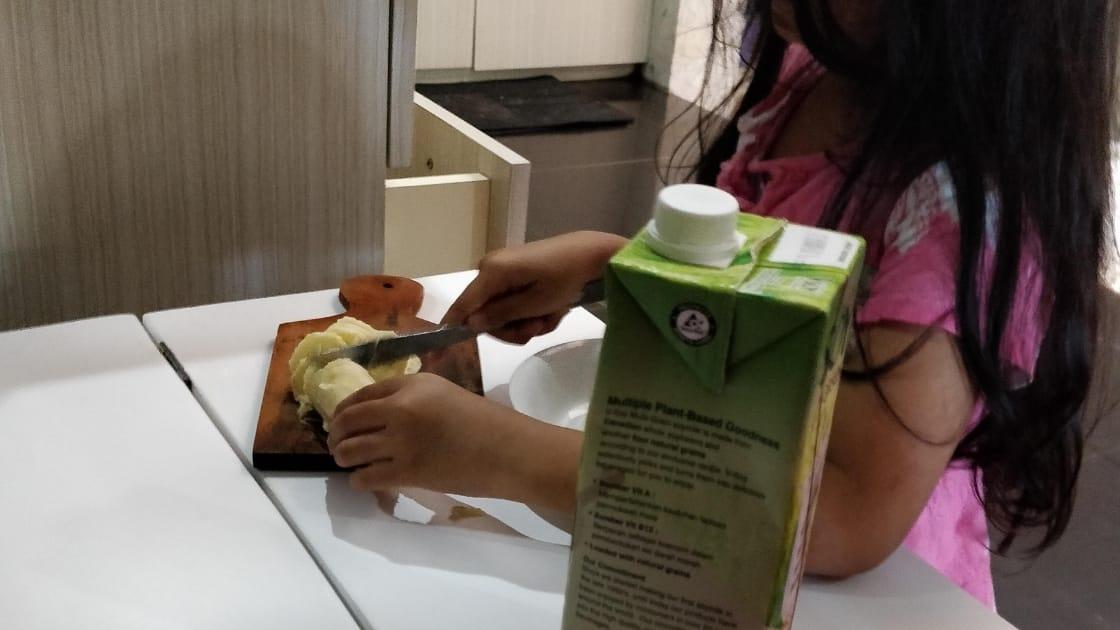 Cara Mengajarkan Anak Menggunakan Pisau
